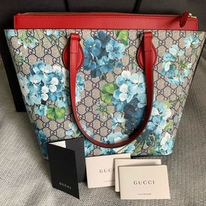 New Gucci Blooms tote with dust bag.